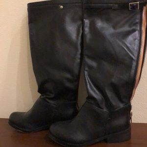 N.Y.L.A. size 7.5 Legacy black riding boot $10